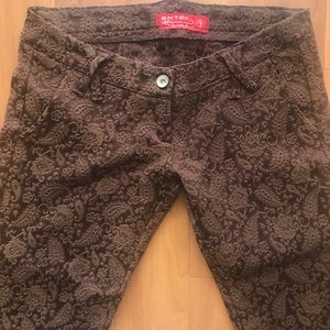 Pants - NWOT low waist embroidered paisley pants
